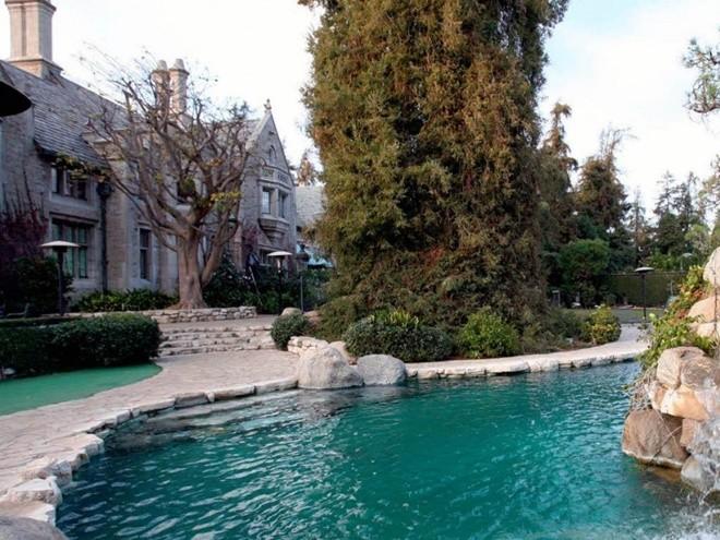 Top 10 bể bơi độc đáo nhất của giới nhà giàu1