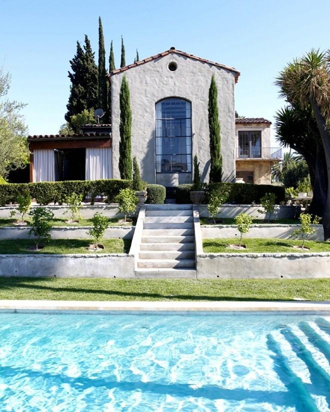 Top 10 bể bơi độc đáo nhất của giới nhà giàu10