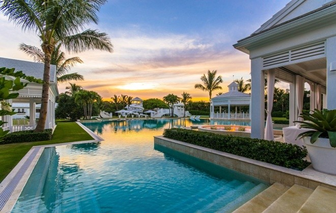 Top 10 bể bơi độc đáo nhất của giới nhà giàu5