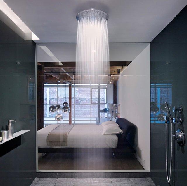 """Ngắm những phòng tắm """"nổi bần bật"""" với vòi sen hiện đại4"""