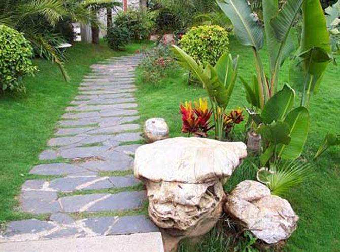 Nghệ thuật trang trí tiểu cảnh đá cho sân vườn3
