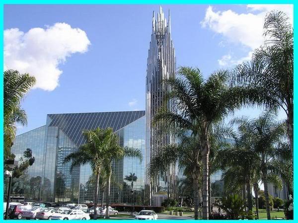 """Cùng """"chiêm ngưỡng"""" nhà thờ sử dụng nhiều kính nhất trên thế giới1"""