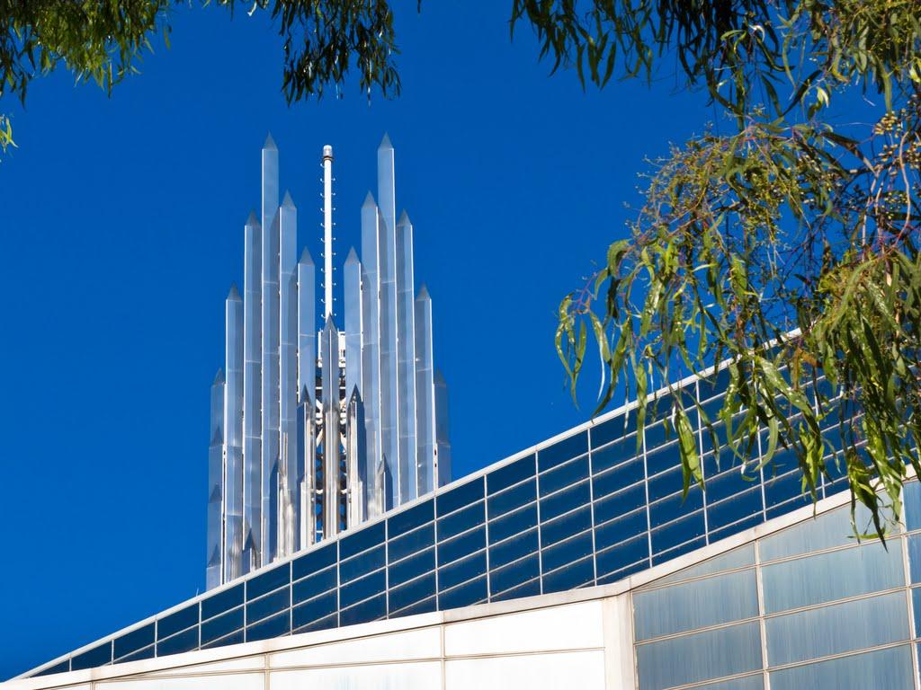"""Cùng """"chiêm ngưỡng"""" nhà thờ sử dụng nhiều kính nhất trên thế giới7"""